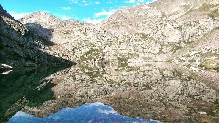 #TBT - La vista dal Rifugio Questa quasi un anno fa: il primo #Trekking non si scorda mai  #RifugioQuesta #igerspiemonte #ig_mountain #ig_alps #trekkinglife #instaview #instamountain #moutainlake #moutainlandscape la #ig_landscape_captures #lovelyview #ig_piemonte #ig_italia_riflessi #montagneitaliane #Fb