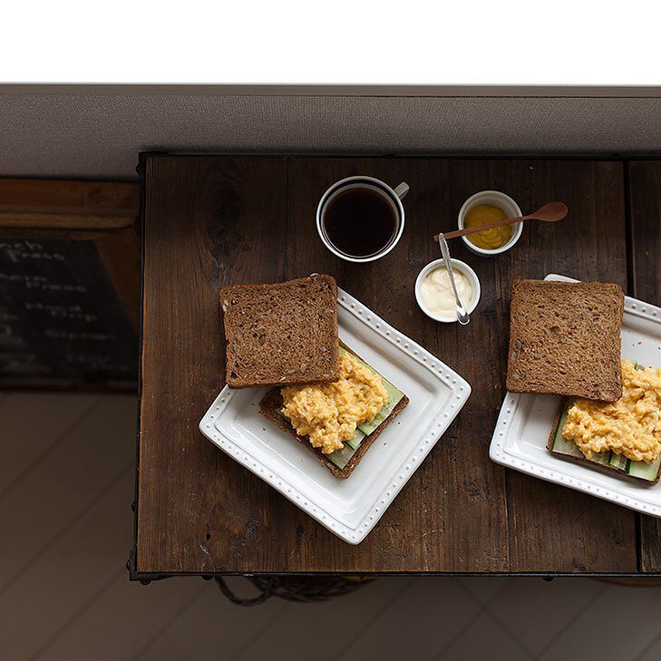 Miso scrambled eggs sandwiches Miso scrambled eggs are usually eaten with steamed rice in Japan but I feel they are also good for sandwiches. 今日はちょっと気分を変えて味噌炒り卵のサンドイッチゴハンに乗せておいしい具はパンに乗せてもやっぱりおいしい #onthetable