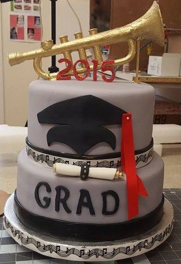 Graduation cake w/chocolate Trumpet