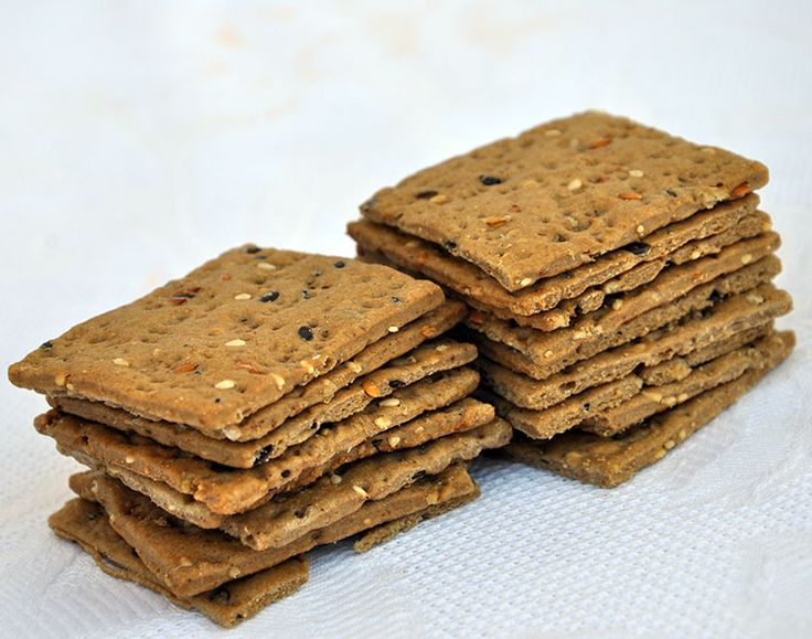 Crackers ai 7 Cereali _ olio e sale _ healthy and delicious baked goods_ prodotti_ forno_ Specialità_ gastronomica_ Salento