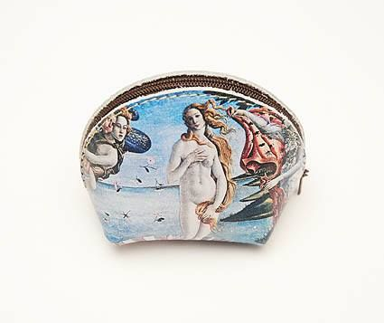 Made in Italy leather coin purse with convenient zip closure featuring The Nascita di Venere by Botticelli. Uffizi Gallery - Florence. #firenzemuseistore #art #Botticelli #Lanascitadivenere #Uffizigallery #Florence #leather #accessories #coinpurse