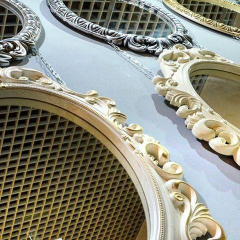 Vezzolli - Красивые зеркала от производителя. Большой выбор декоров и цветов.
