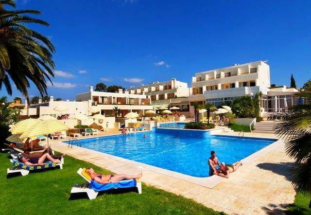 O Hotel Baía Cristal oferece uma fantástica vista sobre o Oceano Atlântico no Carvoeiro, Lagoa, Algarve  | Escapadelas | #Portugal #Carvoeiro #Lagoa #Algarve #Hotel