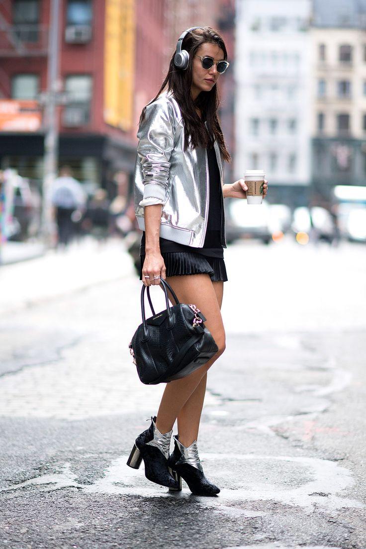 El efecto metalizado llega a la moda - BOMBER | Galería de fotos 9 de 10 | Glamour
