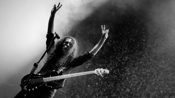 Pentagram - Full Show - Live at Hard Rock Cafe Grand Opening \m/   00:00 - 1000 In the Eastland  04:39 - Şeytan Bunun Neresinde?  08:00 - G.S.T.K.P.  12:12 - Wasteland  17:35 - Gündüz Gece  21:50 - Lions in a Cage  26:36 - Geçmişin Yükü  31:38 - Tigris / Bir  36:50 - Sonsuz (Outro)   #music #live #acoustic #metal #heavymetal #powermetal #folkmetal #thrashmetal #mezarkabul #pentagram