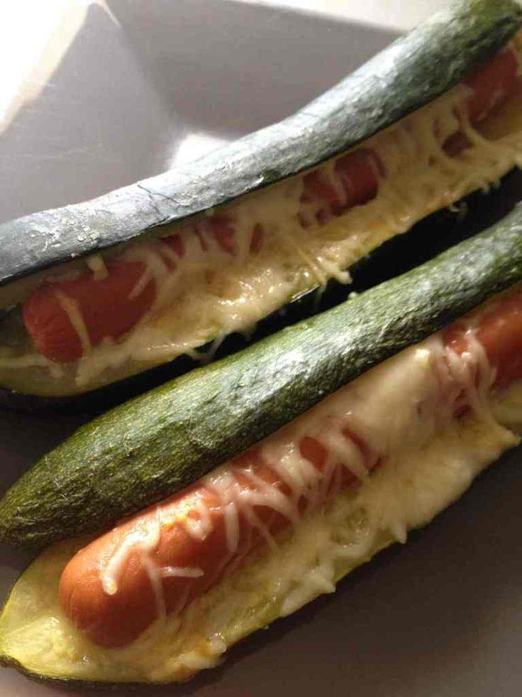 Hot dog de courgette - 5 UPP - 1 part : 2 courgettes - 2 saucisses knack de…