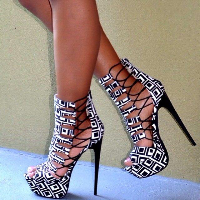 Back & White Sexy High Heels