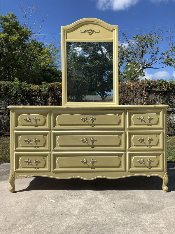 Dresser 9 Drawers Mirror French Provincial Original Condition