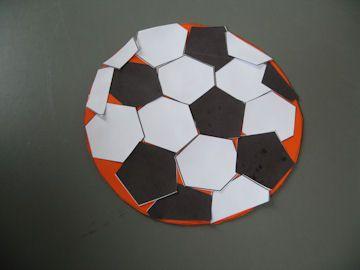 Voetbal plakken moeilijk