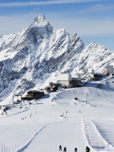 Cervinia Ski Resort, Cervinia, Valle D'Aosta, Italian Alps, Italy