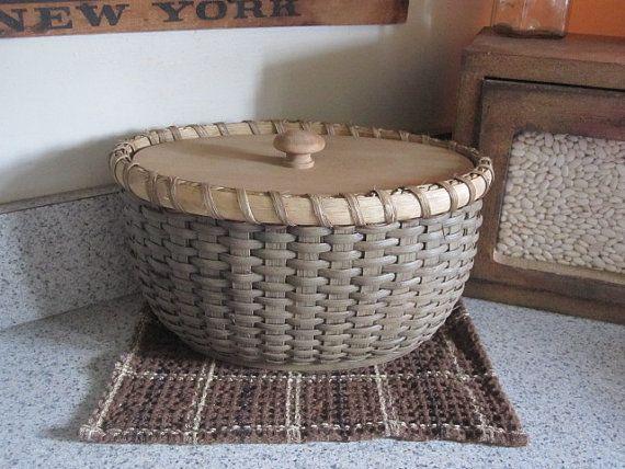 Oval Storage Basket with Lid 1803 Ohio Farm by 1803ohiofarmbaskets, $40.00
