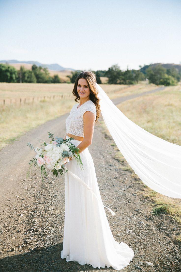 Bo & Luca Isra Gown  Wedding Dress on Sale 38% Off