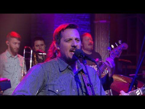 Veja Sturgill Simpson, grande revelação da música country, se apresentar na TV americana #Cantor, #Comediante, #M, #Música, #Musical, #Noticias, #Nova, #Popzone, #Show, #Televisão, #Tv, #Youtube http://popzone.tv/2016/04/veja-sturgill-simpson-grande-revelacao-da-musica-country-se-apresentar-na-tv-americana.html
