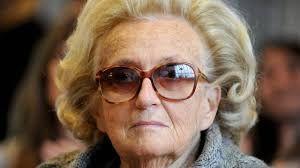 Alors qu'en septembre dernier, l'ex-Président avait dû interrompre ses vacances à Agadir afin d'êtrerapatrié d'urgence à Pariset hospitalisé suite à un malaise, les inquiétudes autour de l'état de santé de sa femme, Bernadette Chirac, grandissent jour après jour.