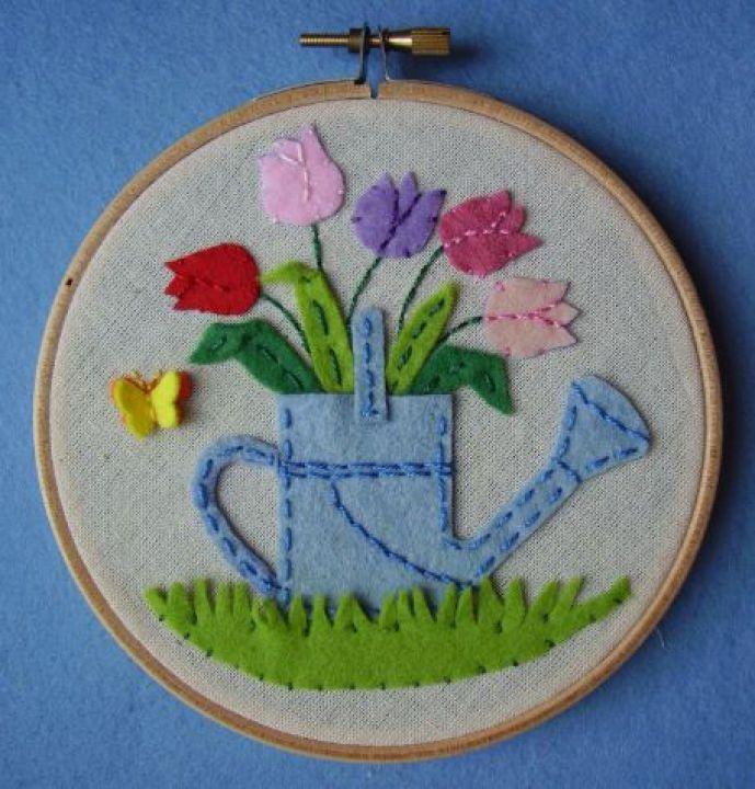 Filc tulipános locsoló by http://www.breslo.hu/BugacFilcdiszei/shop