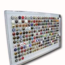 Raccoglitore tappi di champagne in plexiglass da appendere a muro by: Cavinato acrylics s.a.s.  www.cavinatoacrylics.it