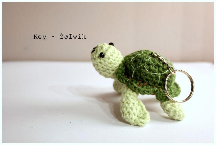 Amigurumi turtle #żółw #little #amigurumis #amigurumies #rękodziełko #brelok #animal #szydełkowy #crochet