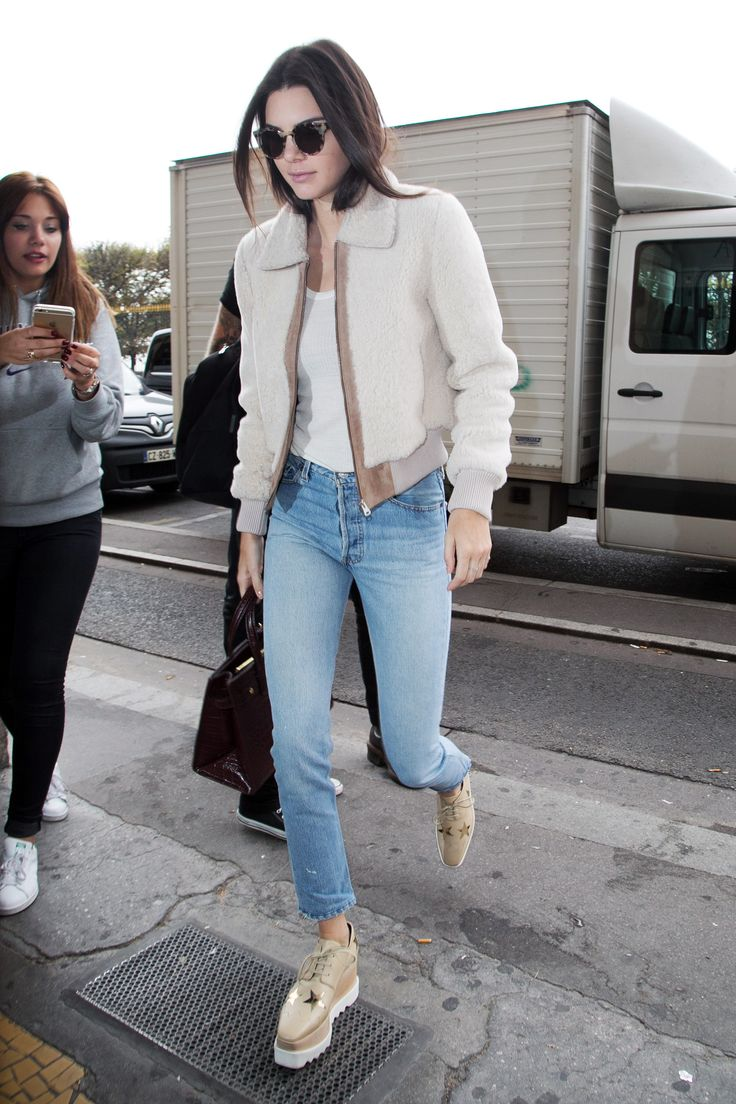 White t shirt fashion tips - Kendall Jenner S Cut Out Sweater Is The Perfect Answer To Transitional Fall Weather