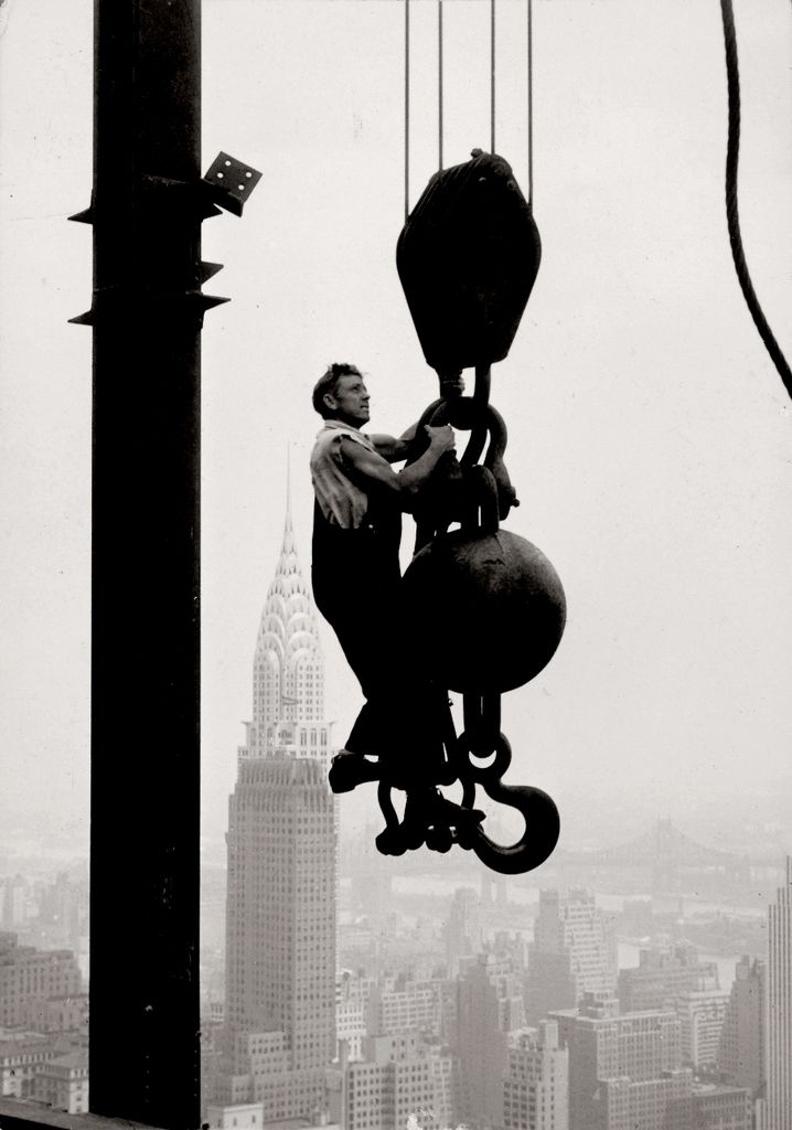Lewis W. Hine, Empire State Building, 1931