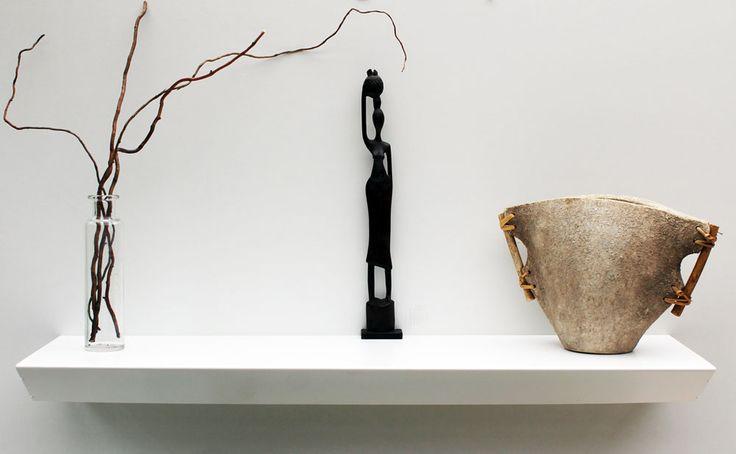Meuble console suspendue design réalisée en métal finition laiton rossé
