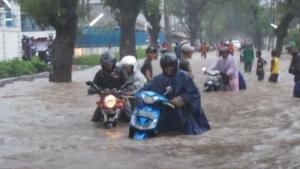 Banjir di Rancaekek sebabkan Banyak Kendaraan Mogok