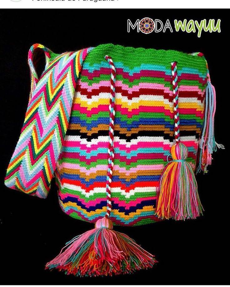56 отметок «Нравится», 1 комментариев — • Moda Wayuu • (@modawayuu) в Instagram: «Atrévete a usar nuestros bolsos, nos caracterizamos por ser diferentes y dejar nuestro sello en…»