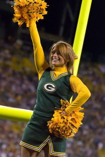Description Green Bay Packers Cheerleader