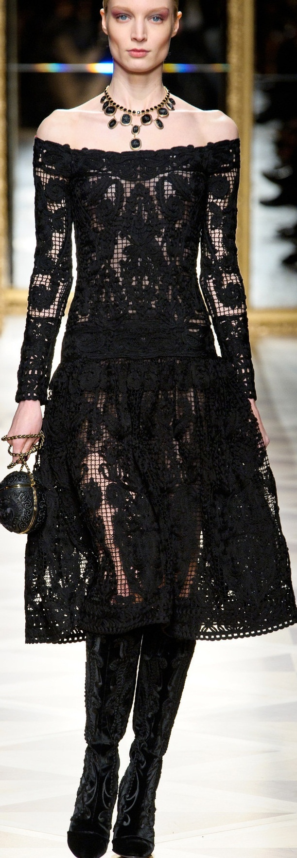 Salvatore Ferragamo 2012-13CROCHET AND KNIT INSPIRATION: http://pinterest.com/gigibrazil/crochet-and-knitting-lovers/