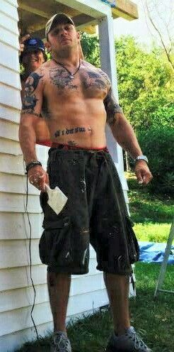Tom Hardy could come paint our House anytime he wanted too!! Just let me get my lawn chair and my drink!!