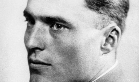 HERO: Bendlerblock courtyard where Claus Graf von Stauffenberg (left) was executed