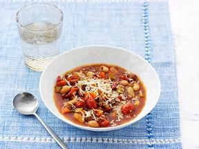 Beef & cannelllini soup - Giada