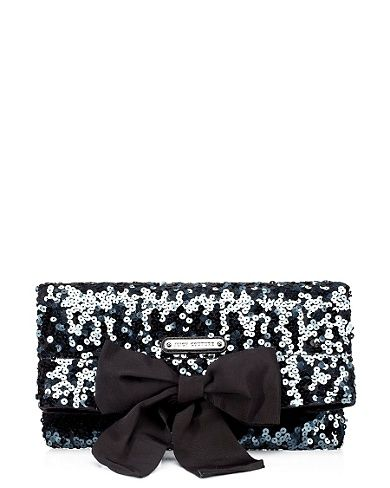 Juicy Couture clutch. <3
