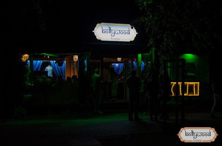 Wyjątkowy #klub, najnowsze trendy muzyczne House, Deep House, RnB, Hip Hop, #muzyka Orientalna i inne...! http://www.bollywoodlounge.pl/waw/onas/