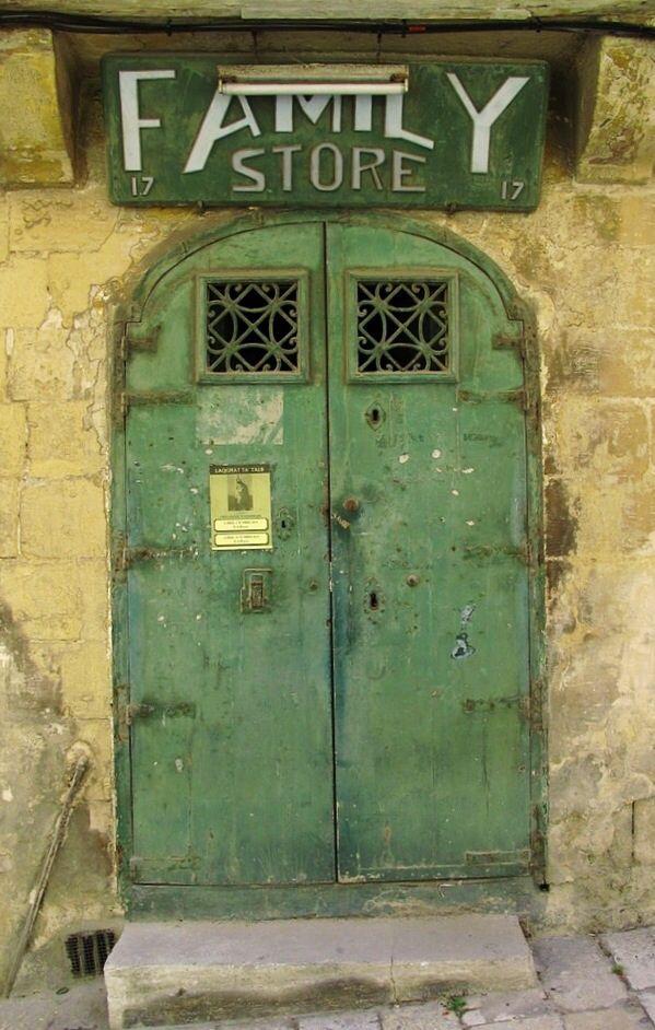 Door   ドア   Porte   Porta   Puerta   дверь   Sertã   Valletta, Malta