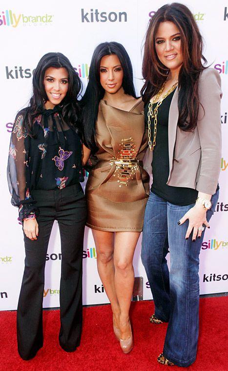 Kardashians Sign New 3-Year Reality TV Deal for Reported 40 Million dollars| big moneyKhloe Kardashian, Kourtney Kardashian, Reality Tv, Khloe Outfit, Black Outfit, Kardashian Signs, Lamborghini, Cute Outfit, Kardashian Fashion