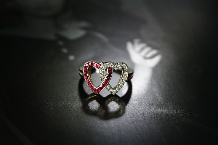 DIAMOND & RUBY DOUBLE HEART RING by J E Coldwell  (C)Regard Co.,Ltd