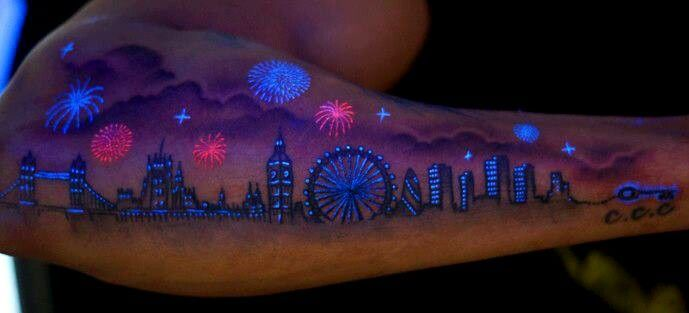 look at that!!!  loooooooove!!!!!! <3 <3 <3  UV tattoos (love these!!! they only show up under a blacklight!!! :-)