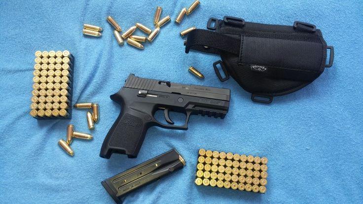 Sig Sauer P250 - Prodám tuto pistolí v ráži 9x19. Kupovaná v květnu 2016 (ještě 1,5 roku v záruce). Nastříleno max 150 ran. Stav úplně nové zbraně. Přidám pouzdro viz foto + taktické pouzdro. Nevyužitá zbraň.https://s3.eu-central-1.amazonaws.com/data.huntingbazar.com/10182-sig-sauer-p250-pistole.jpg