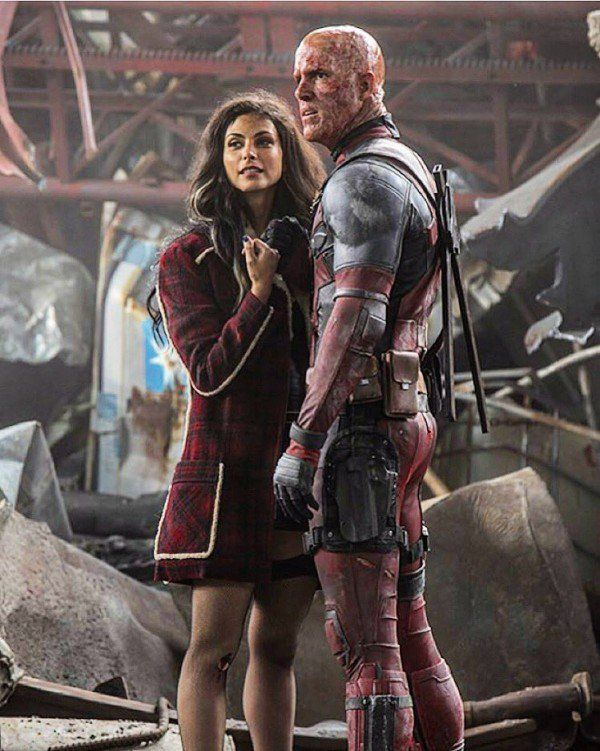 Ryan Reynolds and Morena Baccarin featured in new Deadpool image