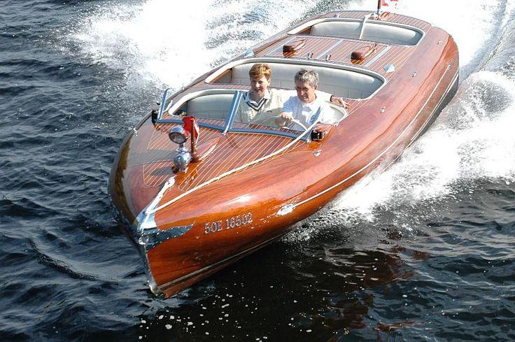 34 1929 wooden cruiser make greavette year 1949 model