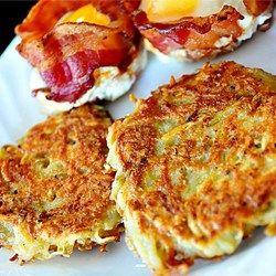 Como Fazer Batatas tipo Hash Brown - prato típico de café da manhã americano feito de batata ralada frita com o mínimo de gordura.