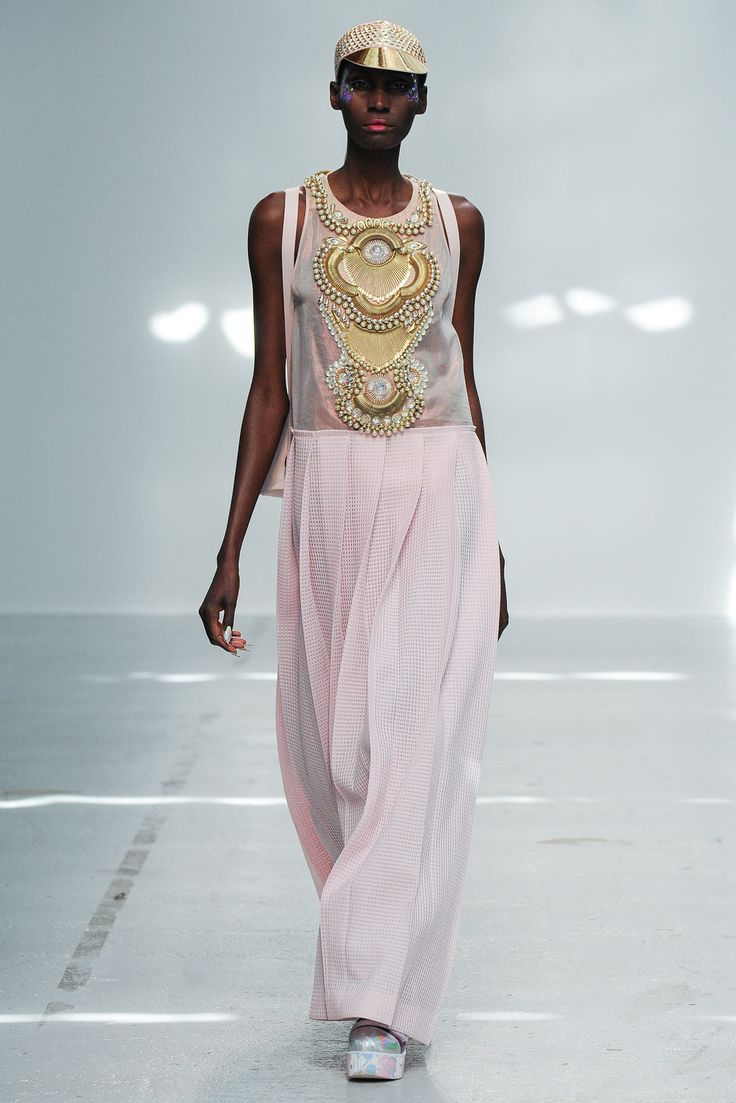 Manish Arora Spring 2015 Ready-to-Wear Fashion Show