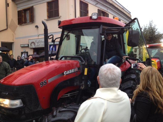 Festa del Ringraziamento, donne imprenditrici alla guida dei trattori - L'Abruzzo è servito | Quotidiano di ricette e notizie d'AbruzzoL'Abruzzo è servito | Quotidiano di ricette e notizie d'Abruzzo