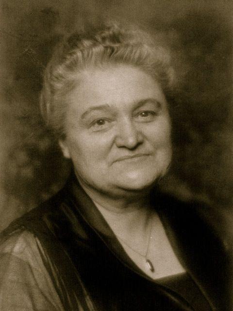 VoiceTalk: Anna E. Schoen-René