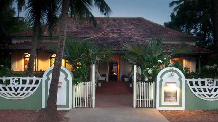 Vivenda dos Palhacos is a one hundred year old, carefully renovated house set on a very quiet cul-de-sac in the village of Majorda, in South Goa