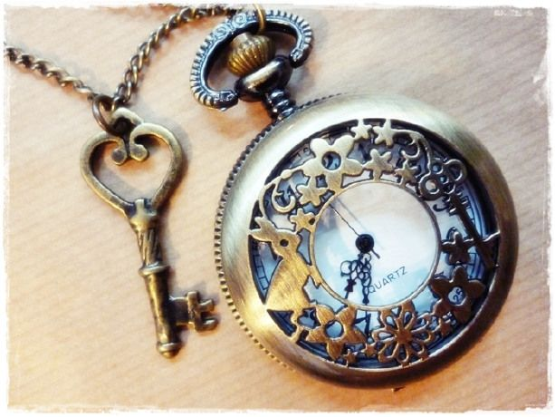 """Collana orologio vintage style """"Wonderland"""" by VIAVAI Move your style on Blomming"""