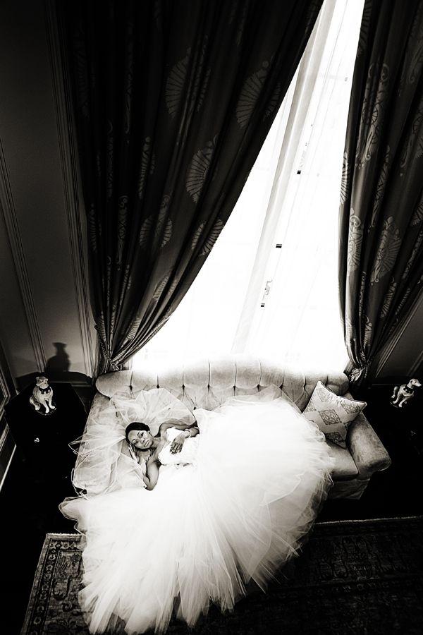 An Elegant Black Tie Wedding in Atlanta - Munaluchi Bridal Magazine (This picture is everything!)