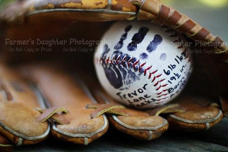 Baseball with newborn prints on it...love this idea! Even if its a girl! Shooooot I'll do it on a softball ! Lol