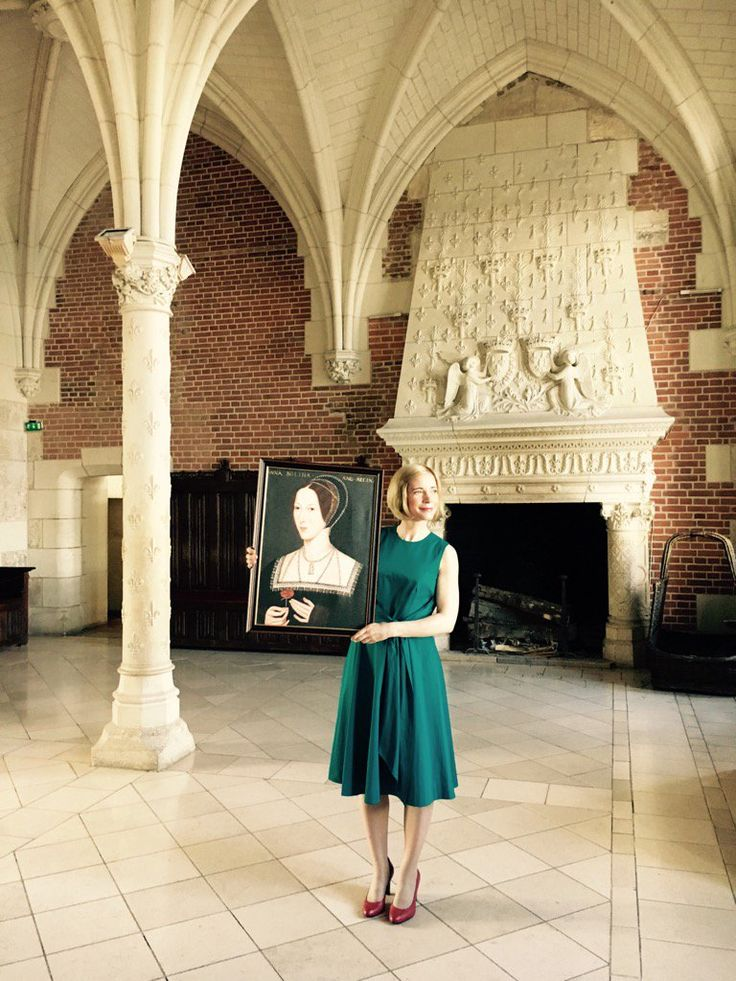 """Lucy Worsley on Twitter: """"It was the temporary home of Anne Boleyn when she was serving the French Queen Claude. Brought her back for a visit. https://t.co/Aaxe1heVgr"""""""