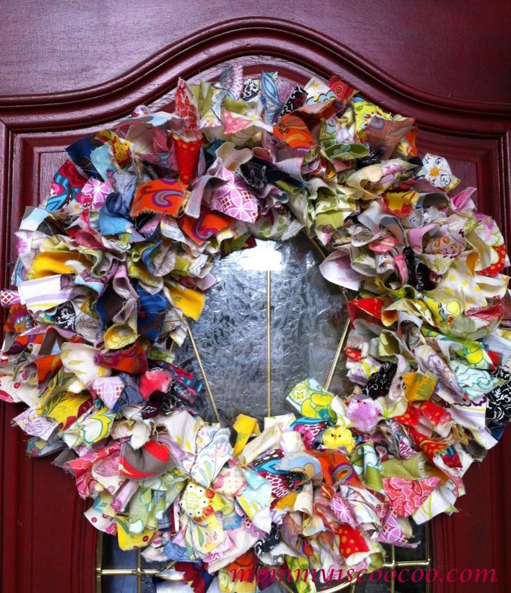 how to make a rag wreath from mommy is coocoo (1)